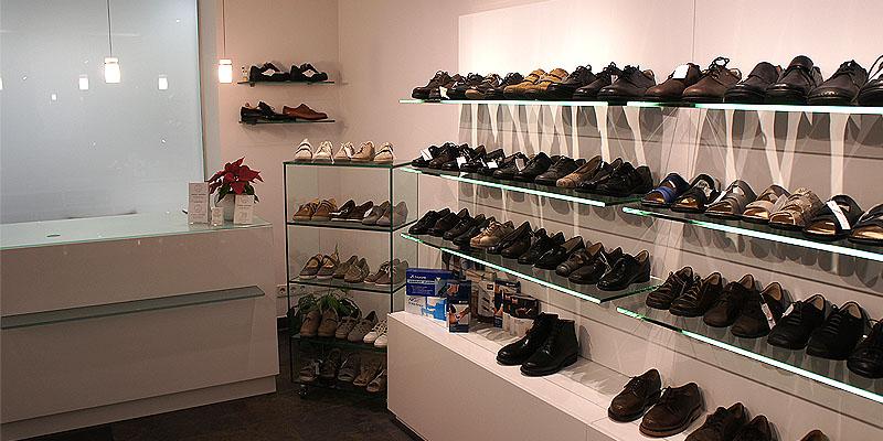 ...hier finden Sie den passenden Schuh